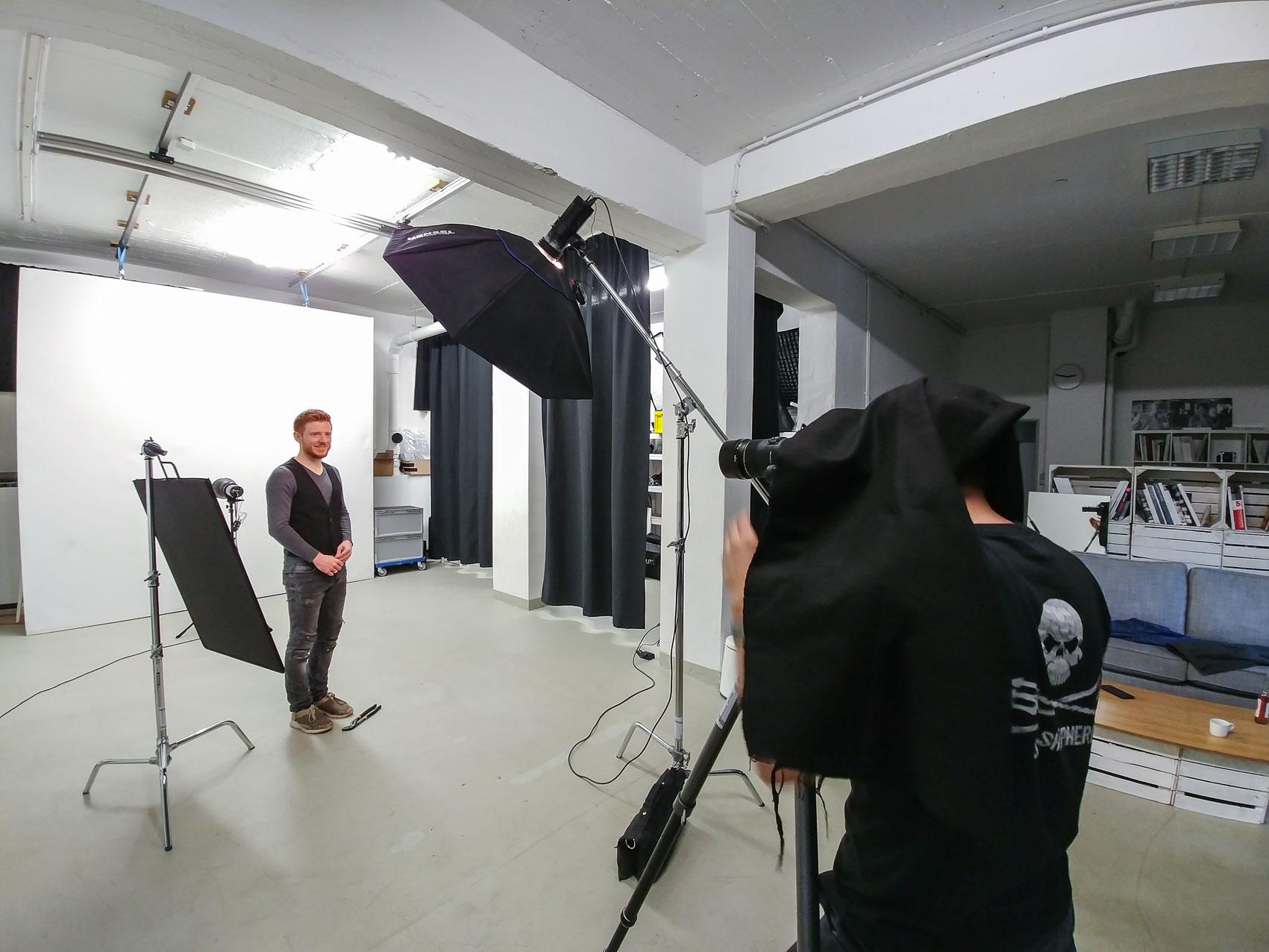 Während des Businessportrait von Daniel Held (www.heldentexte.de).